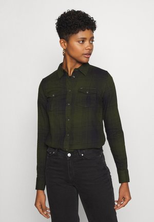 REGULAR WESTERN SHIRT - Button-down blouse - serpico green