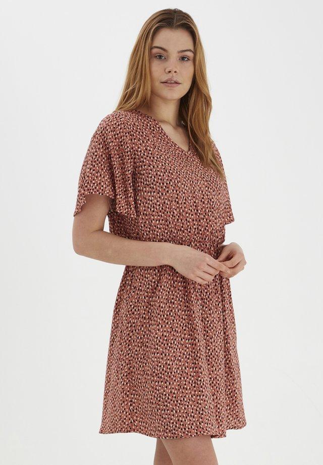 JOELLA  - Day dress - etruscan red mix