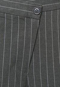 Weekday - LUXA SKEW TROUSERS - Trousers - grey - 6