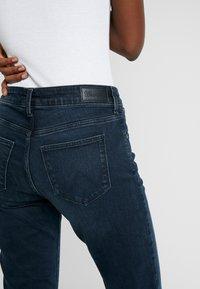 Wrangler - BODY BESPOKE - Jeans Straight Leg - blue skies - 5