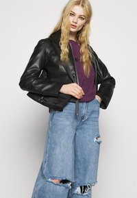 Missguided - KNEE  RIP BAGGY BOYFRIEND - Relaxed fit jeans - blue - 3
