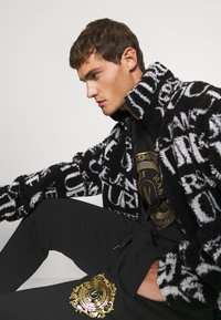 Versace Jeans Couture - Winter jacket - nero - 3