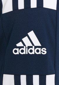 adidas Performance - SQUAD 21 - T-shirt med print - navy blu/white - 2