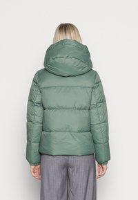 Vero Moda - VMUPSALA SHORT JACKET  - Winter jacket - laurel wreath - 2