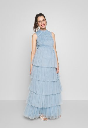 HIGH NECK MAXI DRESS WITH TIERED SKIRT - Denní šaty - cornflower blue