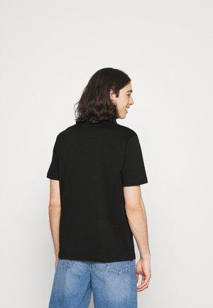 JUST LAB UNISEX - Print T-shirt - black