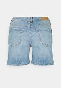 edc by Esprit - Shorts di jeans - blue light wash - 1
