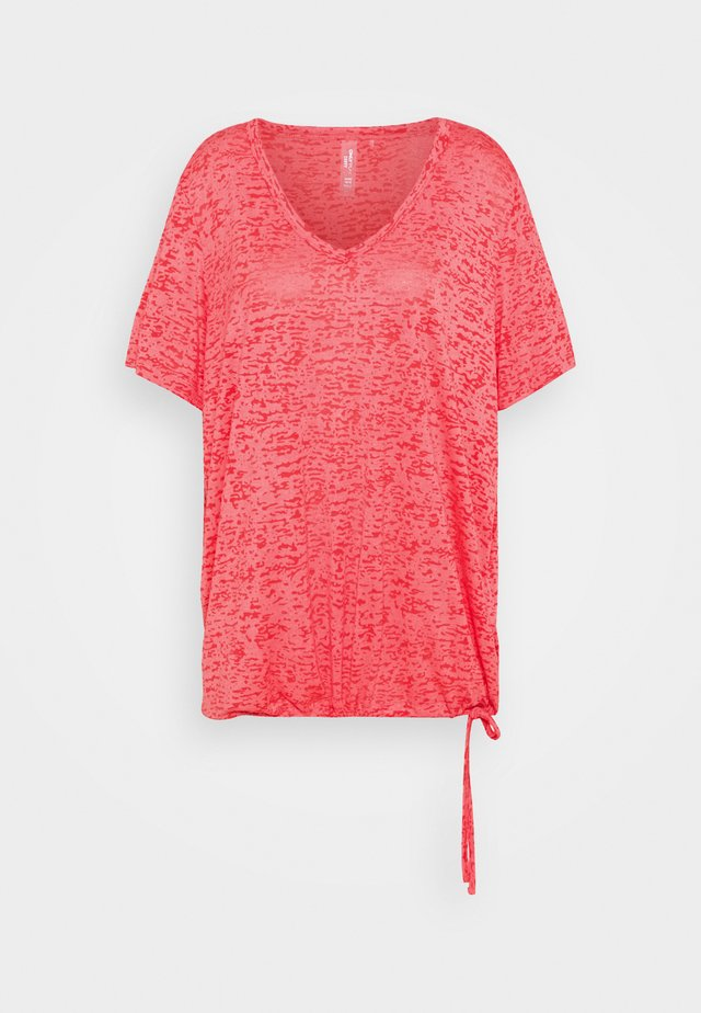 ONPALIDA REGULAR BURN OUT TEE - T-shirt imprimé - coral