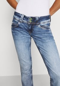 Pepe Jeans - VENUS - Jeans slim fit - denim - 3