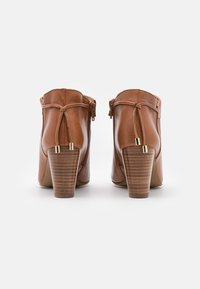 San Marina - MAYELIS - Ankle boots - camel - 3