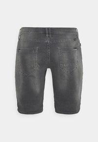 Blend - SCRATCHES - Denim shorts - denim grey - 5