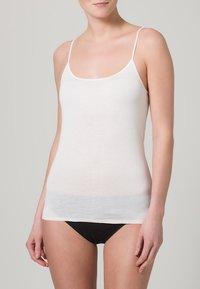 Schiesser - LUXURY - Undershirt - white - 0