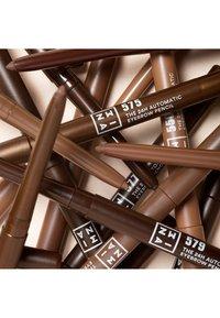 3ina - THE 24H AUTOMATIC EYEBROW PENCIL - Eyebrow pencil - 575 warm brown - 4