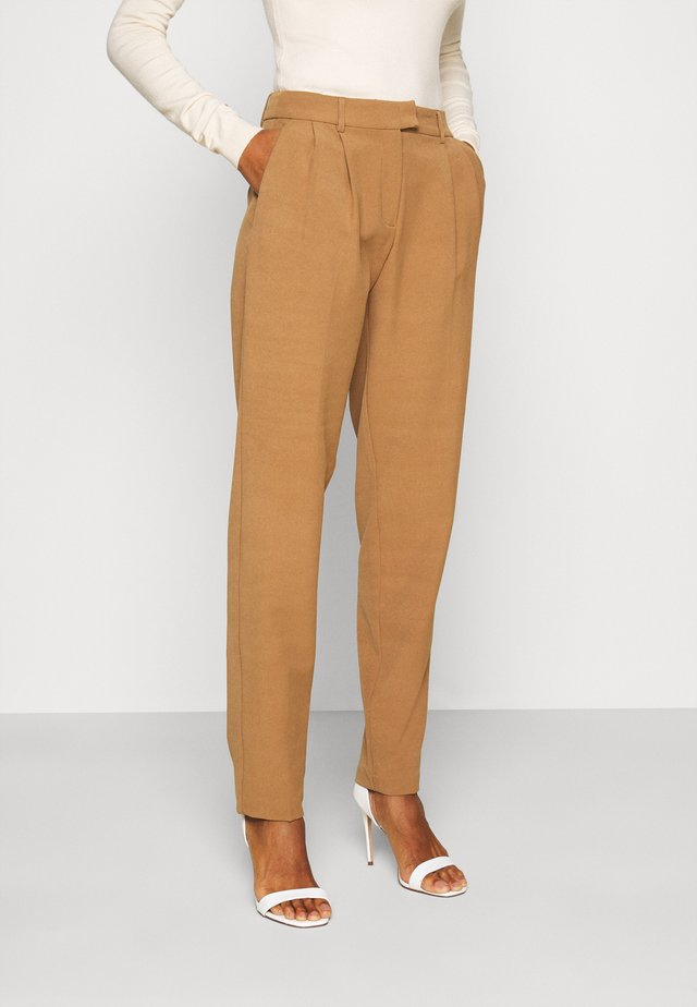 ONLEVILA LANA CARROT PANT  - Trousers - toasted coconut