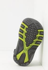 Pax - PEPPER - Chodecké sandály - black/lime - 5