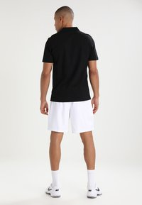 Lacoste Sport - HERREN SHORT - Sports shorts - white - 2