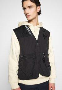adidas Originals - TRAIL VEST - Waistcoat - black - 3
