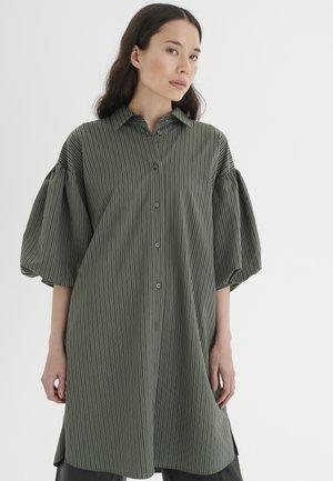 YOKOIW  - Abito a camicia - beetle green stripe
