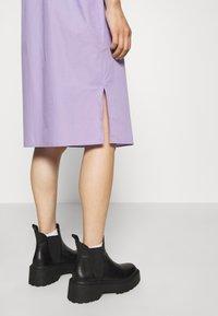 ARKET - DRESS - Day dress - lilac purple light - 7