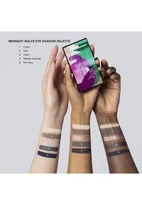 Bobbi Brown - MIDNIGHT WALTZ EYE SHADOW PALETTE - Eyeshadow palette - nude blue - 2