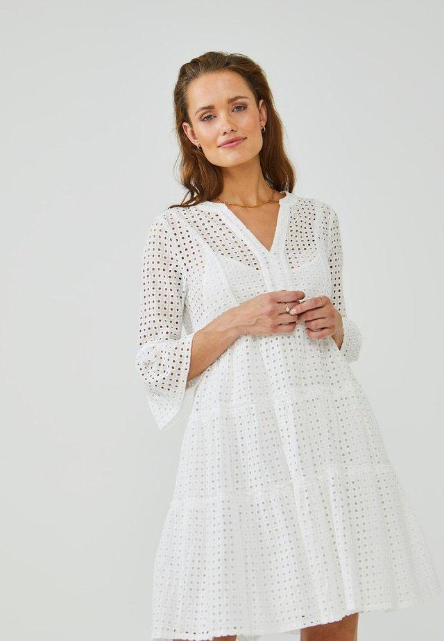 KAMPUR BRODERIE - Korte jurk - les blancs