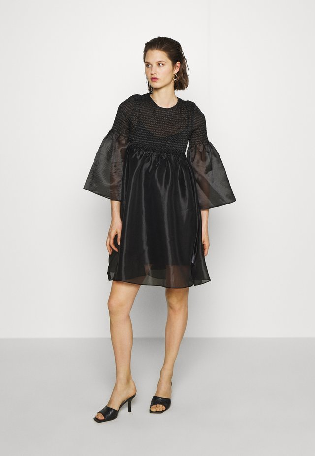 THE SMOCKED ORGANZA DRESS - Cocktailjurk - black