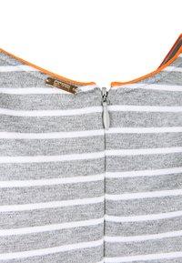Cinque - KLEID CIELISEA - Day dress - light grey - 3