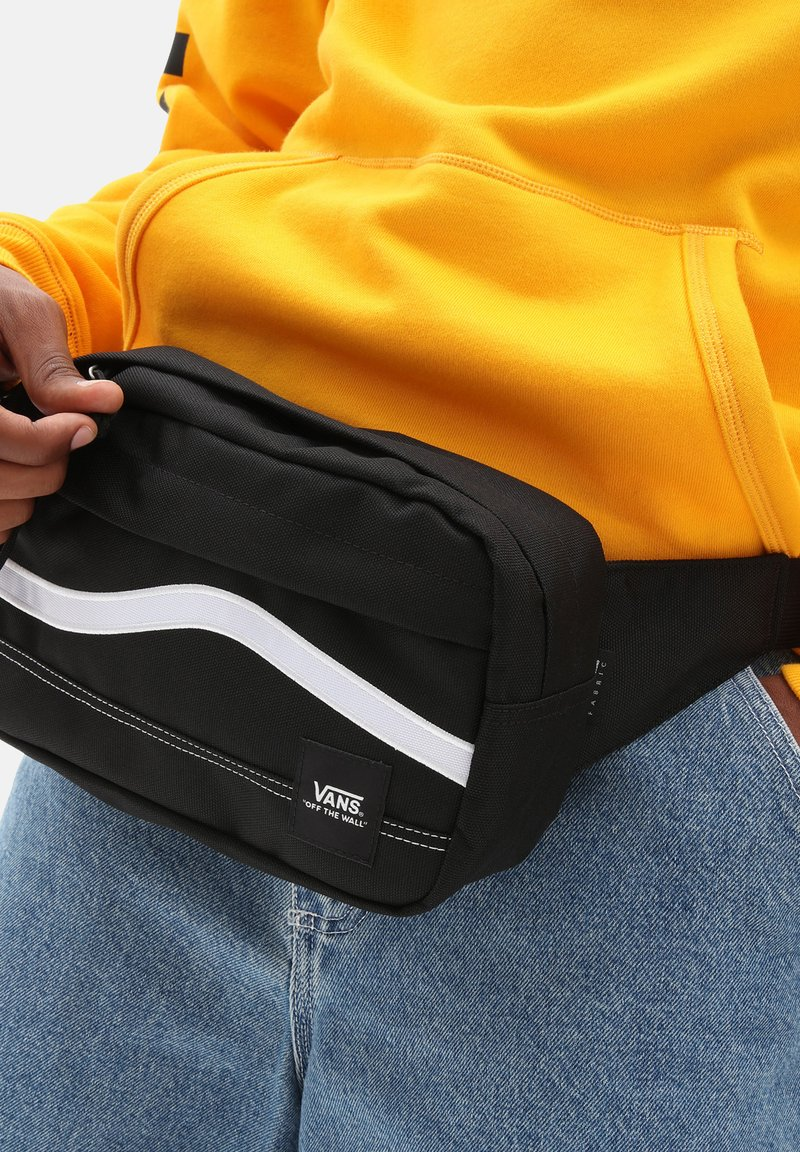 Vans - UA CONSTRUCT CROSS BODY - Bum bag - black/white