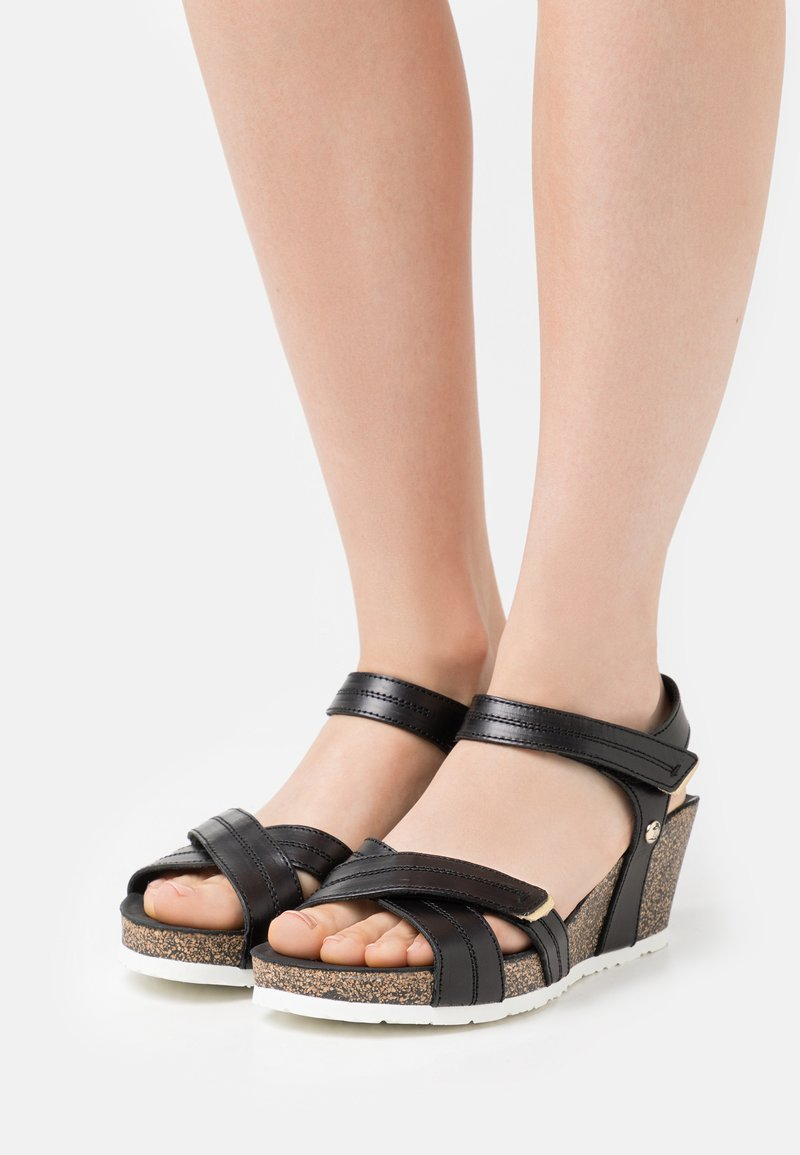 Panama Jack - VIERI BOULEVARD PULL-UP - Sandály na platformě - black