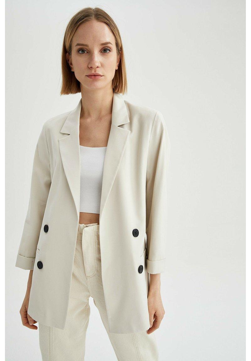 DeFacto - OVERSIZED - Short coat - ecru