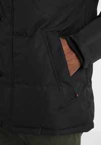 Alessandro Zavetti - OSHAWA - Winter jacket - black - 6