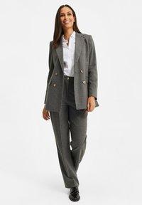 WE Fashion - DAMES GEMÊLEERDE - Suit trousers - blended dark grey - 2