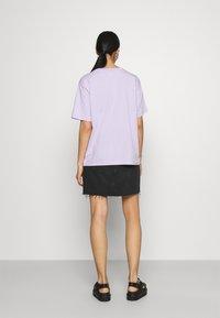 Monki - TOVI TEE - Print T-shirt - lilac - 2