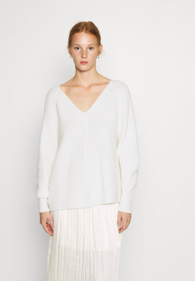 SRSANNE LONG V-NECK - Trui - white