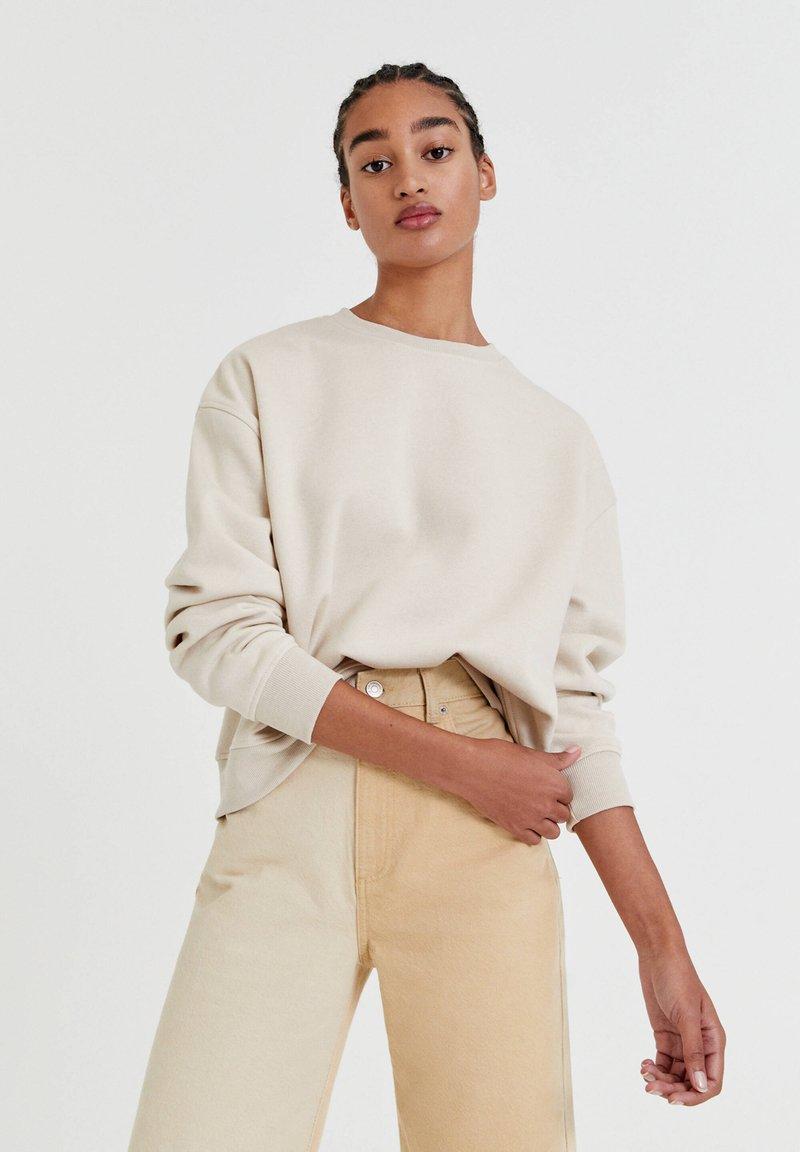 PULL&BEAR - Sweatshirt - off white