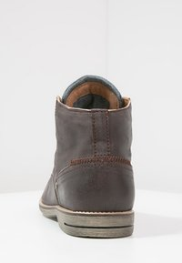 Sneaky Steve - CRASHER - Lace-up ankle boots - brown jamarta - 3