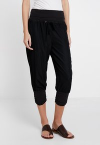 Cream - LINE PANTS - Trousers - solid black - 0