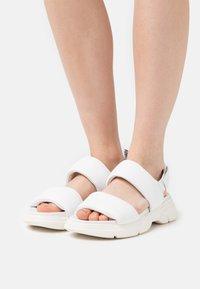 Högl - VITALITY - Platform sandals - weiß - 0
