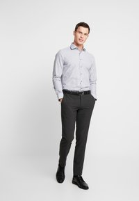 Seidensticker - SLIM SPREAD  - Formal shirt - dark blue - 1