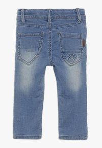 Name it - NMMROBIN DNMTOBO PANT - Straight leg -farkut - light blue denim - 1