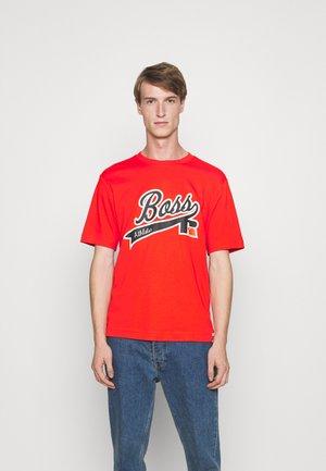 T-shirt z nadrukiem - bright orange