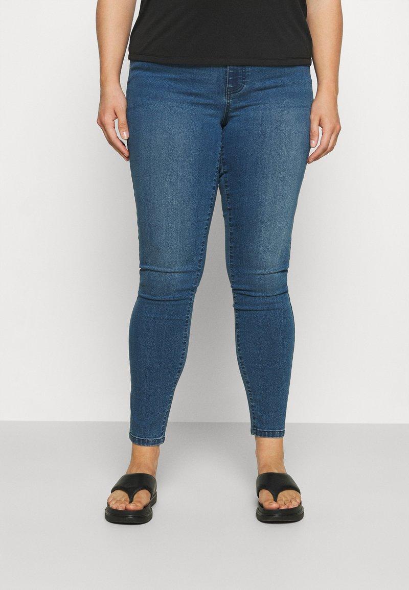 Vero Moda Curve - VMLUDY - Jeggings - medium blue denim
