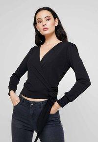 Dorothy Perkins - WRAP OVER LONG SLEEVE - T-shirt à manches longues - black - 0