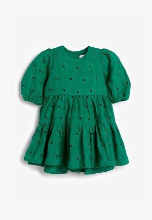 BRODERIE - Denní šaty - green