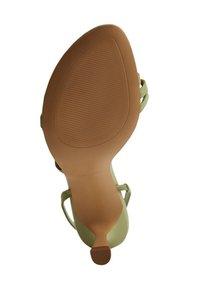 Mango - Sandalen met enkelbandjes - waldgrün - 2
