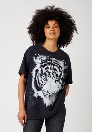 OVERSIZED - Print T-shirt - worn in black
