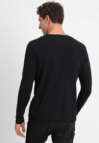 GANT - SHIELD - Maglietta a manica lunga - black - 2
