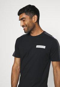 Calvin Klein Performance - SHORT SLEEVE - T-Shirt print - black - 3
