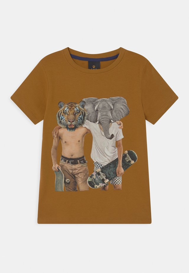 ULRIK  - T-shirts med print - golden brown