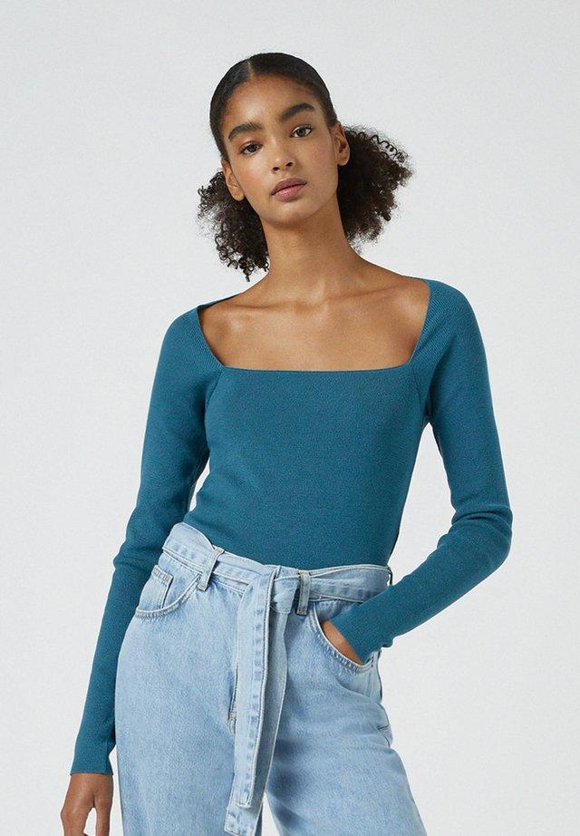 MIT KASTENAUSSCHNITT - T-shirt à manches longues - blue